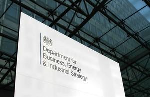 英國推出智慧饋電保證(SEG)政策,以售電業義務和市場費率取代躉購制度